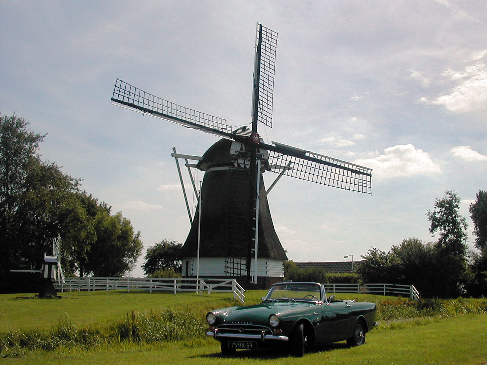 De Ruiten in oldtimer-kalender Roots Club Nederland